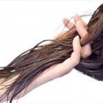 髪質が変わった?ツヤやコシが無い原因は女性ホルモンの減少!