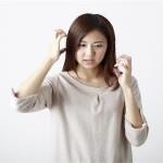 髪がパサつきまとまらない5つの原因!抜け毛の心配も注意!